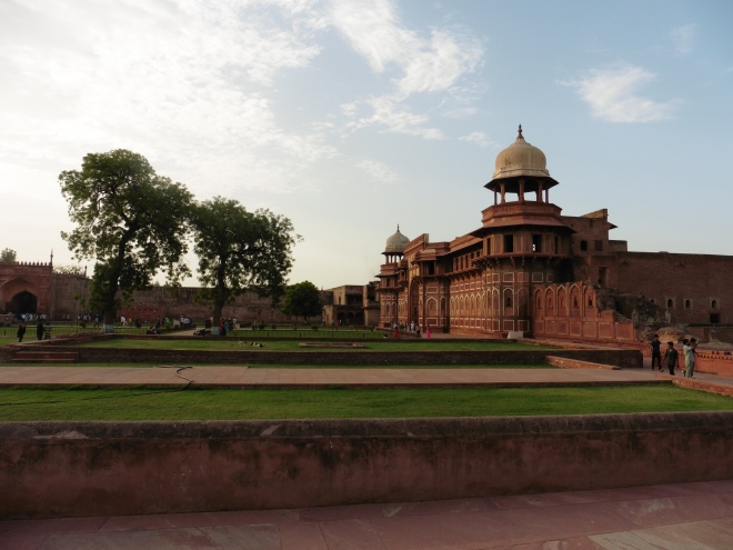 Late afternoon at the Agra Fort